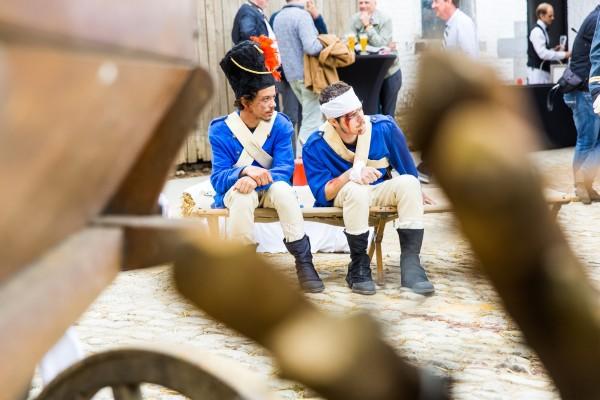 officiers francais assis